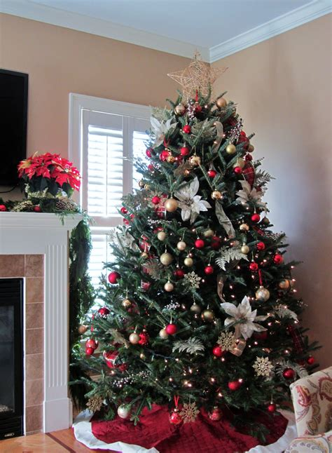 how to decorate christmas tree at home christmas tree decorations ideas and tips to decorate it