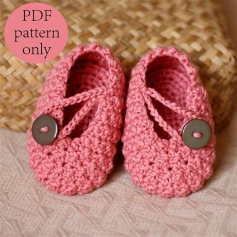 slippers for babies crochet pattern pretty in pink baby booties