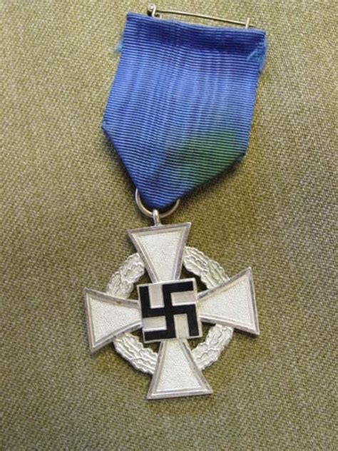 Ww2 Awards And Decorations by Wwii German Badges And Medals Price Guide Militaryitems Com