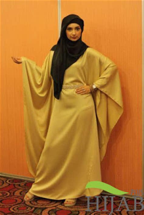Model Jubah Muslimah Model Jubah Terbaru Untuk Muslimah