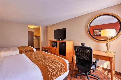 Comfort Inn And Suites Mt Pleasant Mi by Comfort Inn Suites And Conference Center In Mount