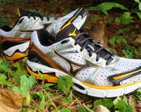 best shoes for flat foot runners the best running shoes for flat running shoes