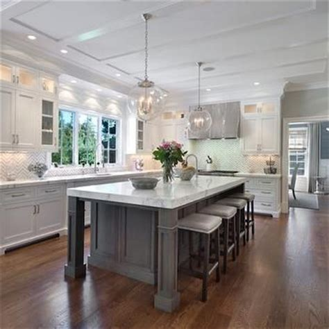 White Kitchen Gray Island by Best 25 Kitchen Island Shapes Ideas On Open