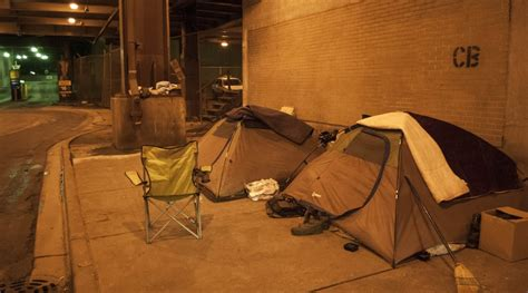 Shelter Chicago homeless chicago chooses streets shelters medill reports chicago