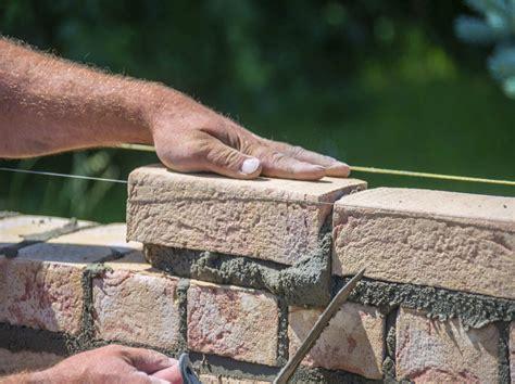 Comment Monter Un Mur 5043 by Comment Construire Un Mur En Briques Leroy Merlin