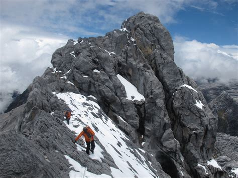 4 gunung di indonesia ini wajib kamu daki revoluside think better greater