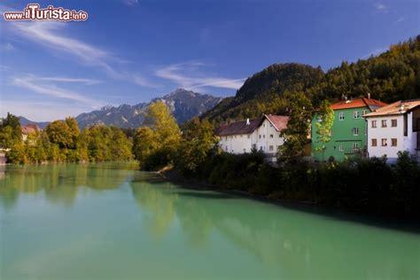 möbel germania alpi e fiume lech a fussen in germania questa foto
