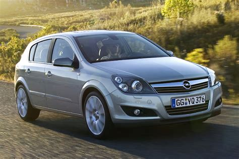 Opel Astra 1 4 by Opel Astra 1 4 Edition 2009 Parts Specs