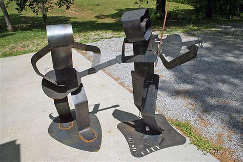 planters bank exhibit to display metal art in august