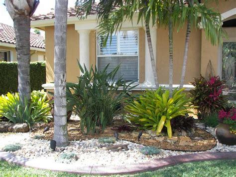 Florida Front Yard Landscaping Ideas Desert Landscape Front Yard Ideas With Rocks And Dunes Front Yard Landscaping Ideas