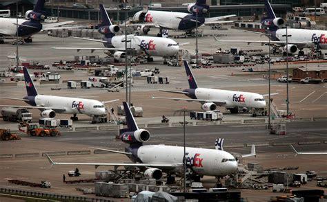 fedex sees peak season bounce ǀ air cargo news