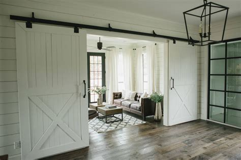 Barn Doors For Homes Homes Chip Joanna Gaines On Fixer Magnolia Homes And Chip And Joanna Gaines