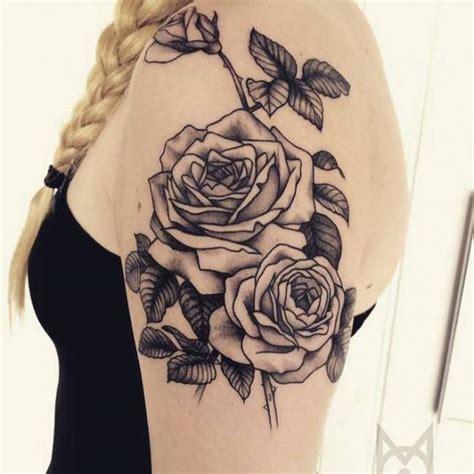 tattoo mandala ventre tatouage de femme tatouage 201 toiles noir et gris sur