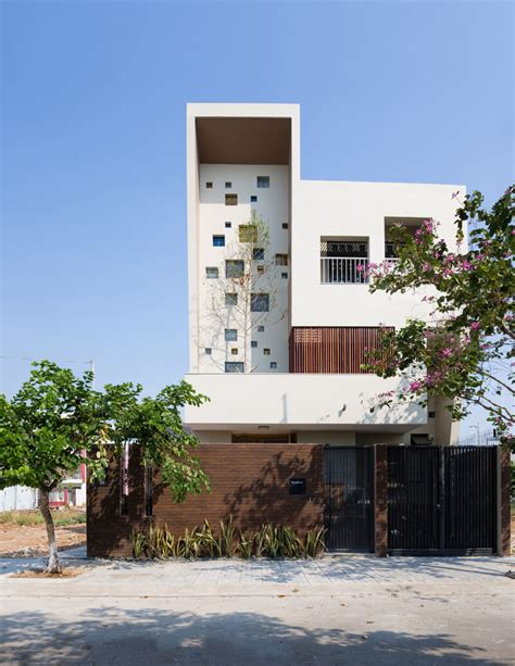 Houses For Narrow Lots 2h house features a modern luxurious concept