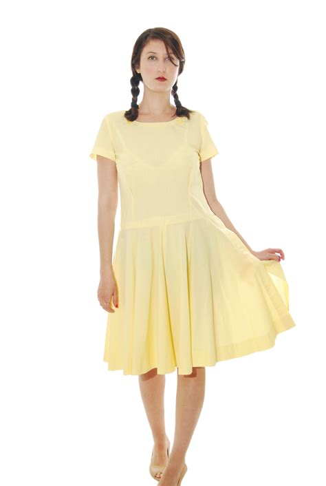 yellow feminine vintage dress for 1970s shpirulina
