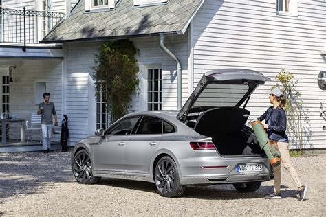 volkswagen arteon trunk don t you dare call the volkswagen arteon the cc s