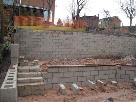 wall building concrete block retaining wall contruction