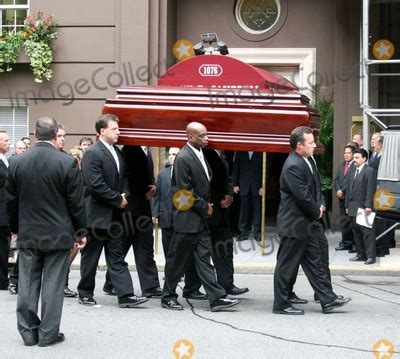 photos and pictures leona helmsley s funeral services at