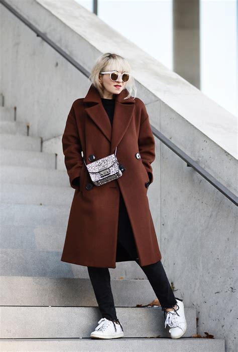 esra e zara oversized coat furla mini metropolis bag zara white sneakers pimkie with