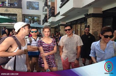 the photos home sweetie home cast goes to