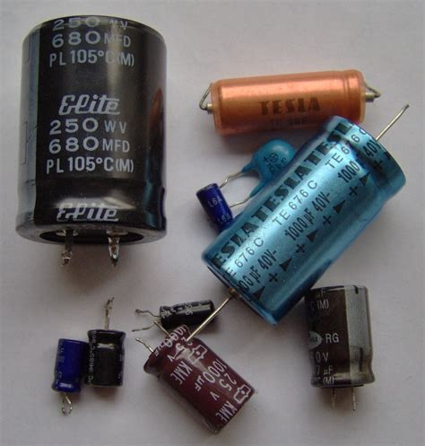 capacitor lookup file electronic component electrolytic capacitors jpg wikimedia commons