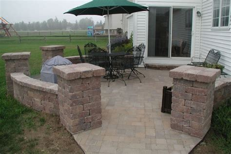 Paver Patio With Retaining Wall Retaining Walls Brick Paver Showroom Of Ta Bay