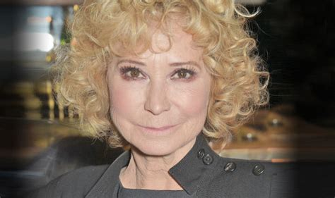 how does felecity kendal style her hair felicity kendal shows off au natural after scrapping botox