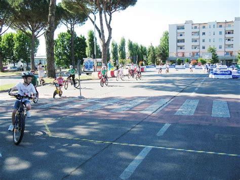 Lucca Pisa Livorno Banca by Giovani Leoni Una Giornata Di Educazione Stradale In