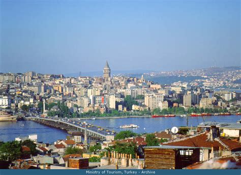 view from the bridge the economist byzantion constantinopol sau istanbul travel with a smile