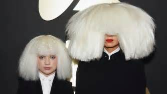 Who Is Sia Chandelier Sia Grammys Performance 2015 Reporter