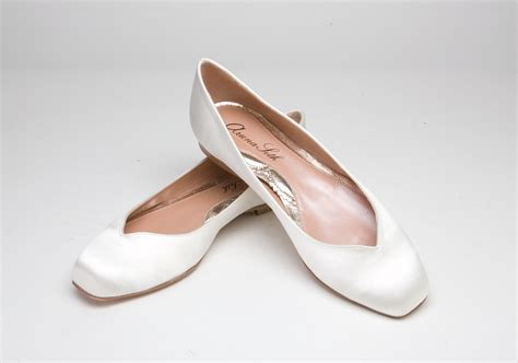 brautschuhe ballerinas ivory ballerina ivory satin wedding dress from aruna seth