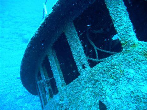 imagenes reales del fondo del mar barcos hundidos en el fondo del mar fotos reales taringa
