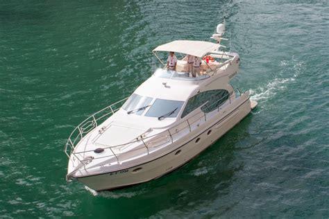 52ft boat 52ft yacht rent a yacht dubai
