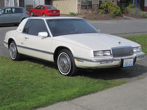 blue book value used cars 1989 buick riviera free book repair manuals 1990 buick riviera vin 1g4ez13c0lu406697 autodetective com