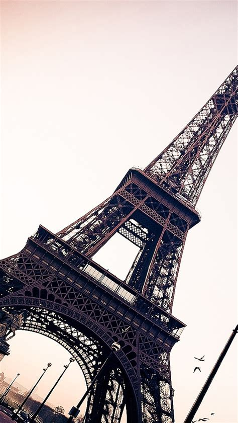wallpaper for iphone 5 paris eiffel tower paris the iphone wallpapers