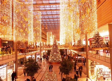 malls decorated in christmas 21 best images about mall decor on soldiers shopping mall and norte