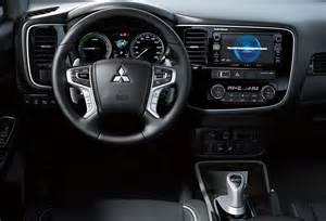 Mitsubishi Outlander Phev Interior El Nuevo Mitsubishi Outlander Phev Cuesta 35 020 Euros