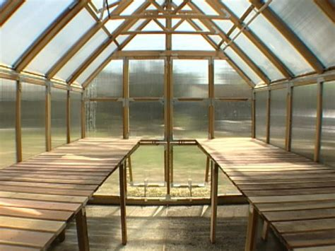 how do i build a greenhouse in my backyard how to build a potting box for a greenhouse how tos diy