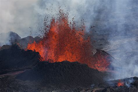 150 Ft In Meters 15 incredible photographs of the volcano in iceland