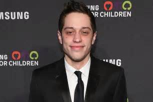 pete davidson contact pete davidson reveals he s sober after years of drug use