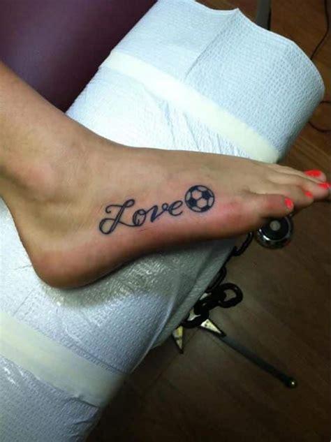40 tatuajes de futbol frases y dise 241 os para hombres y