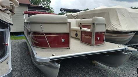 bentley pontoon boats pontoon boats bentley pontoon boats hton pontoon boats