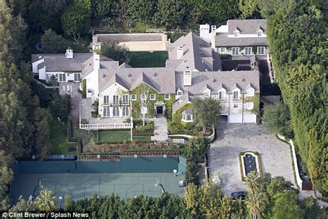 tom cruise mansion tom cruise is moving to florida to be closer to