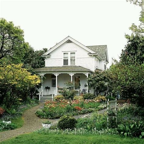country farmhouse lovely old farmhouse country home farmhouse pinterest