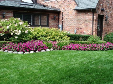 Front Yard And Backyard Landscaping Ideas Designs Garden Front Garden Bed Ideas