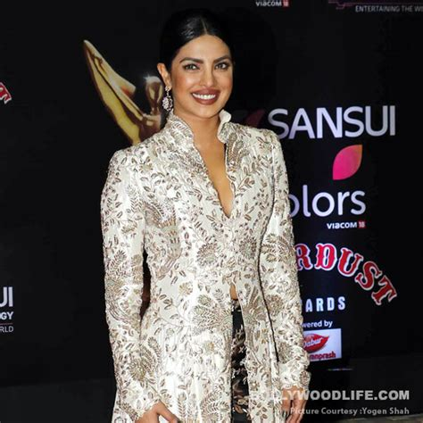 priyanka chopra english speech stardust awards 2016 priyanka chopra s heartwarming