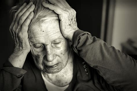 alzheimer s 5 things to never say to a person with alzheimer s huffpost