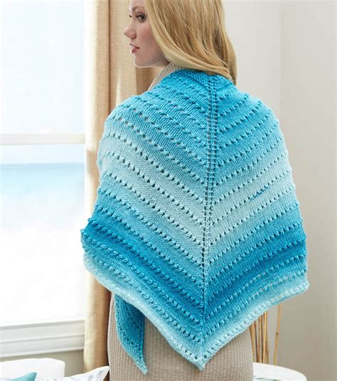 triangle pattern knitting free knit triangle shawl patterns patterns knitting bee
