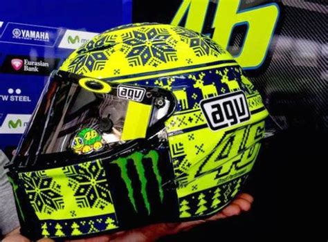 design helm valentino rossi valentino rossi woolly hat helmet winter test 2015
