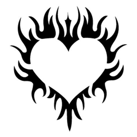 tatouage tribal coeur modèles et exemples